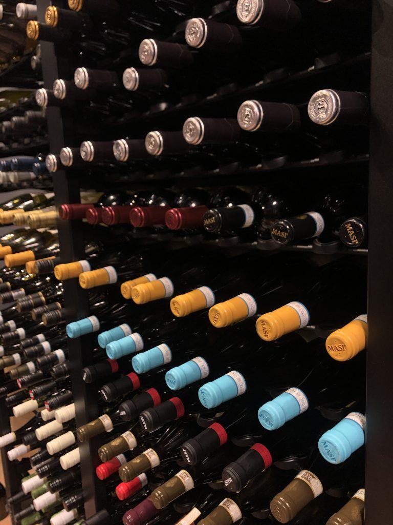 А Вы уже выбрали бутылочку на Новогодний стол?
